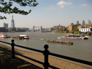 The Thames at Bermondsey by Laura Nolte CC Flickr - thumb