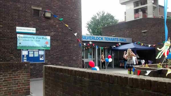 Silverlock Tenants Hall: The Macmillan Mammoth Quiz - I Live in SE16