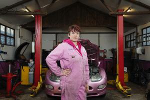Caroline - mechanic